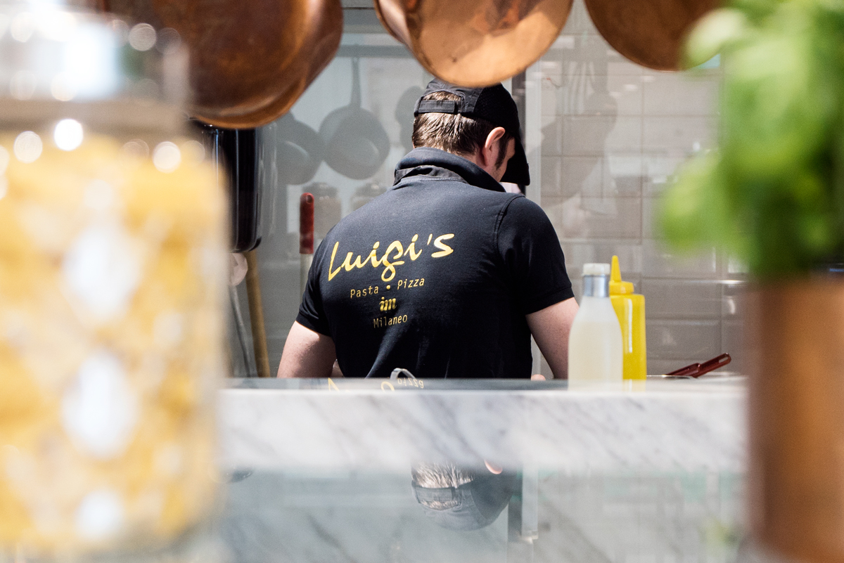 ia_restaurants_luigis_5.jpg